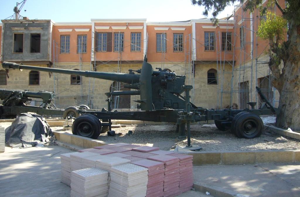 20120211 (107) 開羅Citadel [軍事博物館].JPG