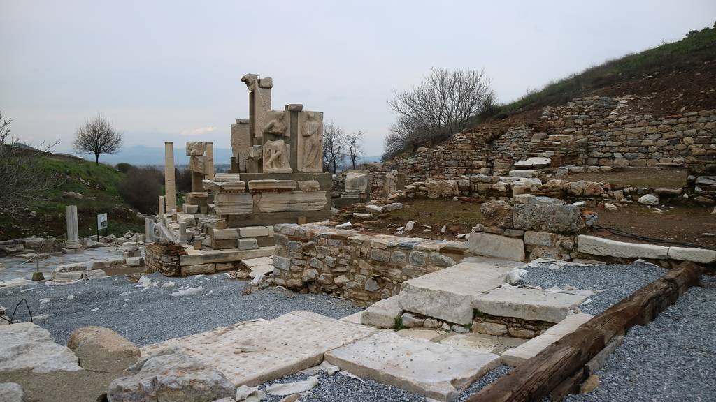 20190107 (90) Monument of Memnius [艾菲索斯(Ephesus)].JPG