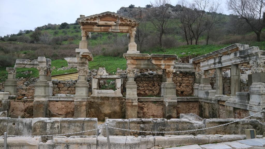 20190107 (146) Trajan噴泉 [艾菲索斯(Ephesus)].JPG