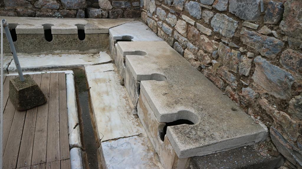 20190107 (166) 古羅馬公共廁所遺蹟 [艾菲索斯(Ephesus)].JPG