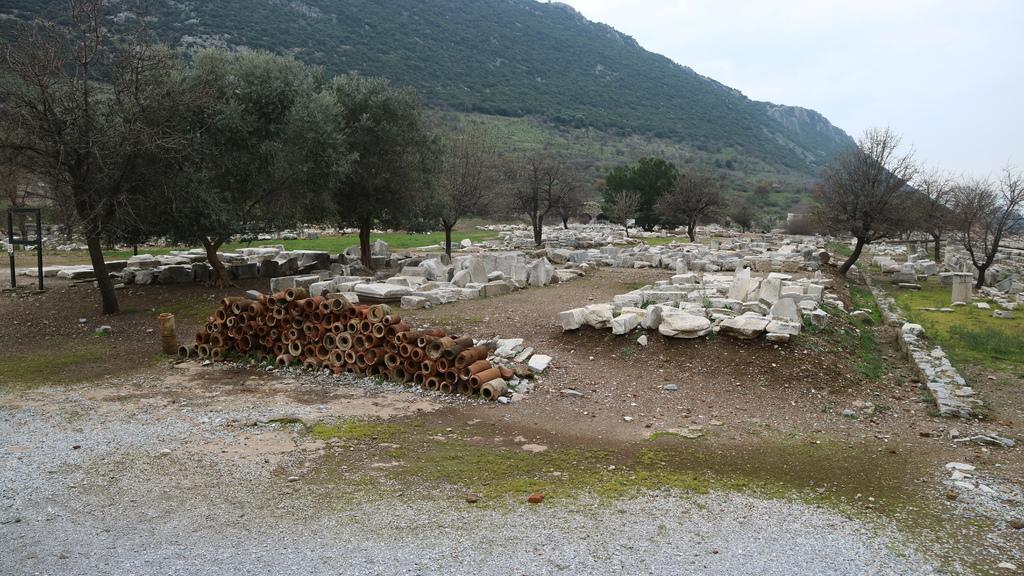 20190107 (56) 羅馬時代製作的陶製輸水管 [艾菲索斯(Ephesus)].JPG