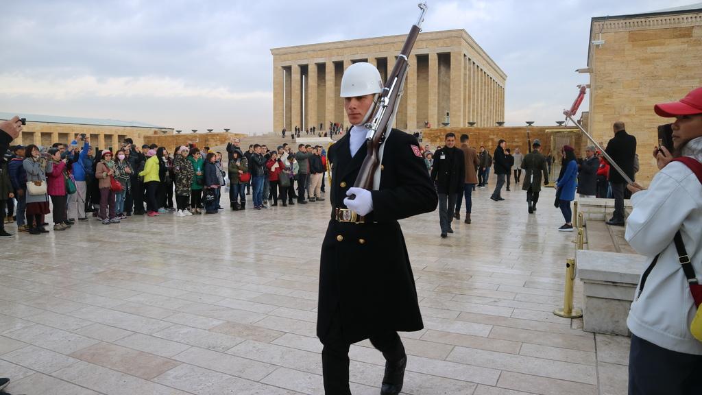 20190212 (60) 凱末爾紀念館內的衛兵.JPG