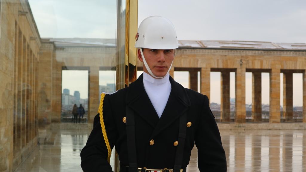 20190212 (66) 凱末爾紀念館內的衛兵.JPG