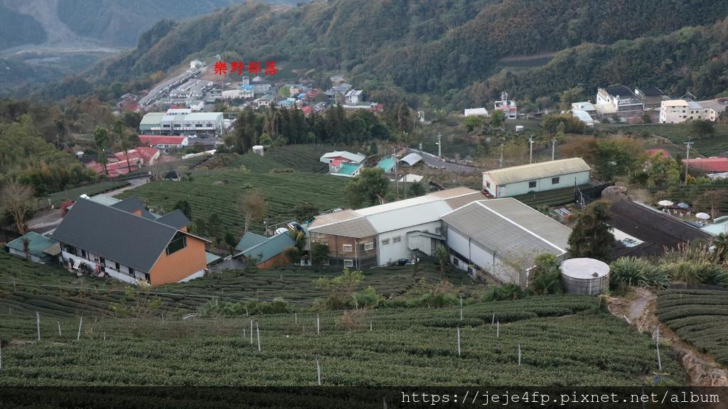 20190205 (1040A) 由茂馨民宿眺望石棹街區方向的山景.JPG