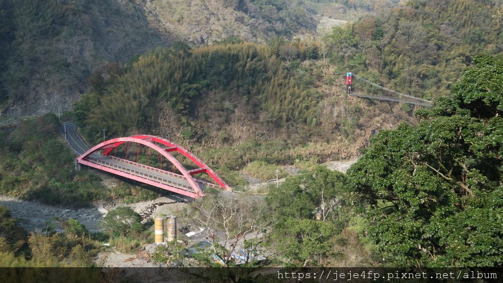 20190206 (732) 由達邦部落眺望特富野橋%26;吊橋.JPG