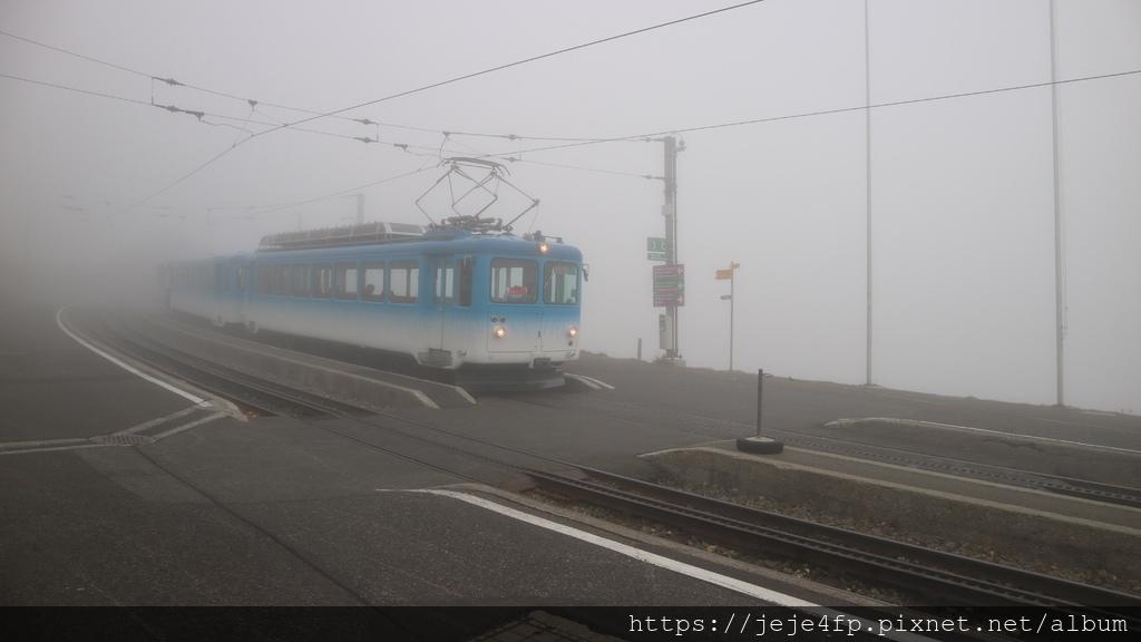20181113 (86) 濃霧中的Rigi山.JPG
