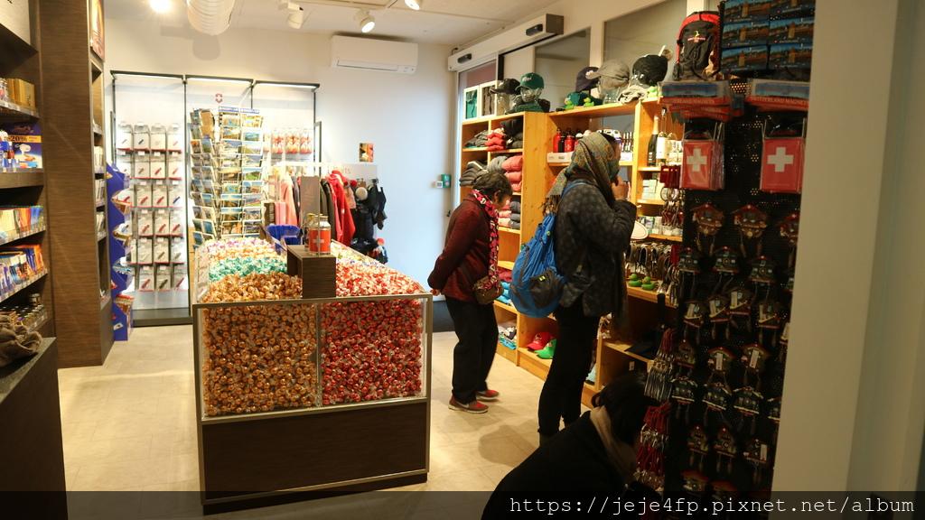 20181113 (132) Rigi山上的小商店.JPG