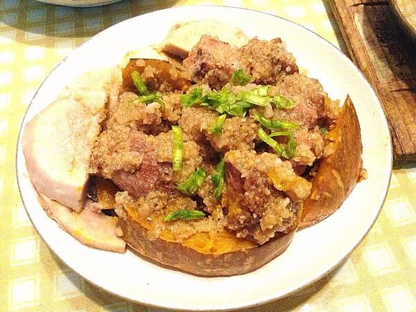 【電鍋料理】南瓜芋頭粉蒸肉