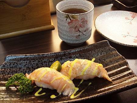 炙燒鮭魚握壽司~