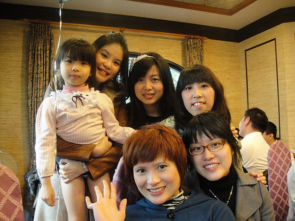 5位美麗的阿姨跟恩妹~