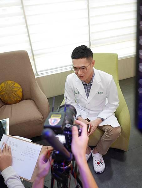 台中正顎手術專家-陳人瑄醫師