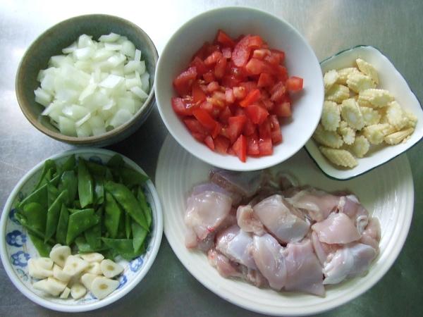 義式茄汁雞肉泡飯_切洗好的備料