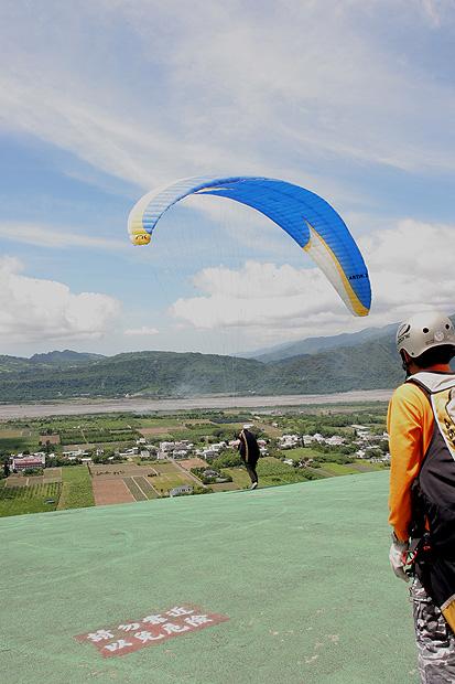 飛行傘隨拍