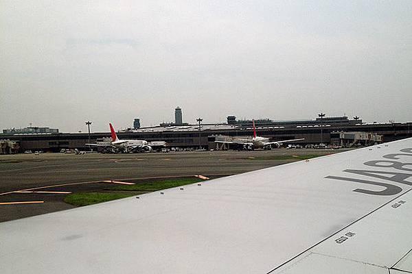 降落成田空港