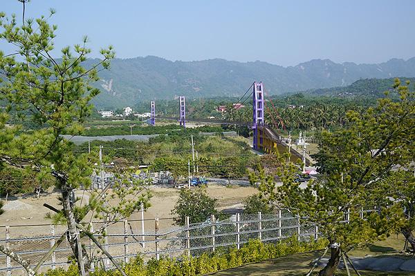 玄空法寺看永興吊橋