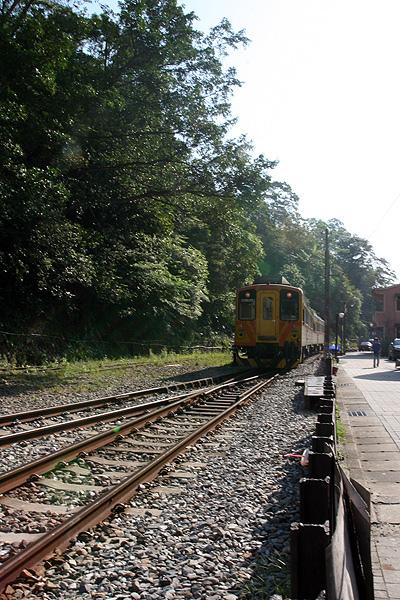 火車來囉~