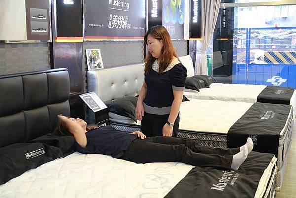 睡眠工藝-床墊試躺5