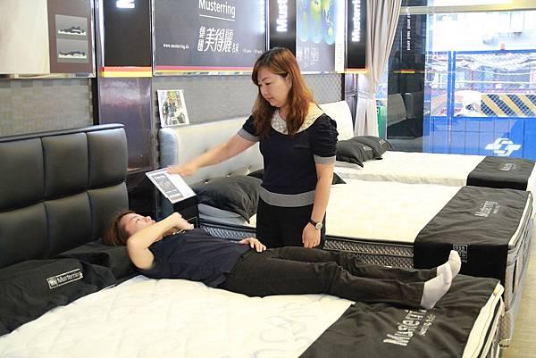 睡眠工藝-床墊試躺6