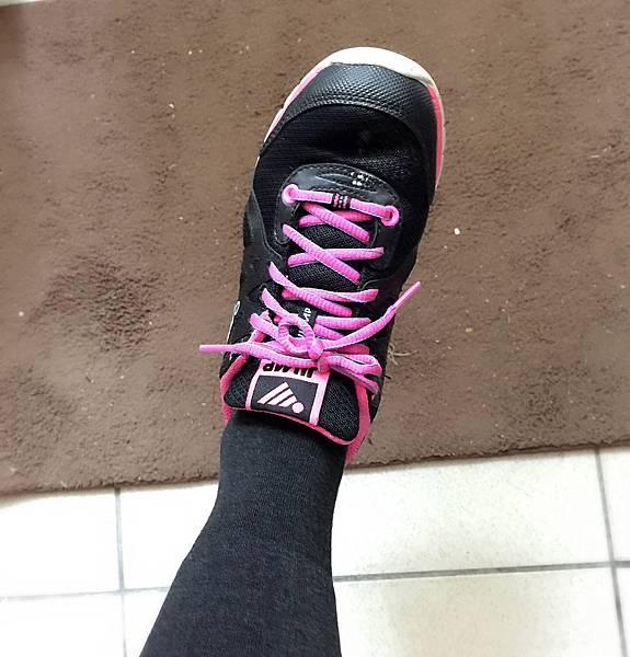 穿球鞋.jpg