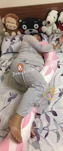 吳媽媽手作月亮枕孕婦枕_產品使用1.jpg