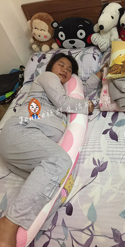 吳媽媽手作月亮枕孕婦枕_產品使用3.jpg