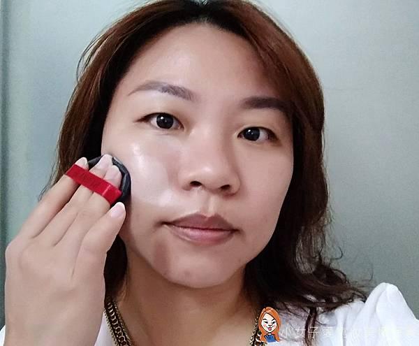 BLANBLVN的3D乳霜光澤唇釉與五色修片皇后粉霜-6.jpg