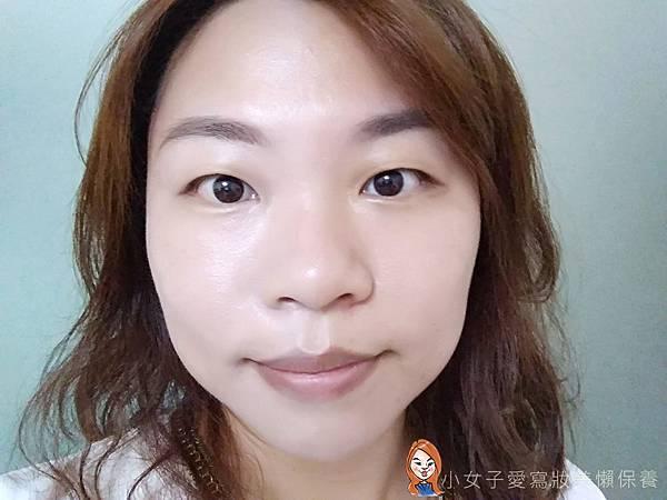BLANBLVN的3D乳霜光澤唇釉與五色修片皇后粉霜-3.jpg