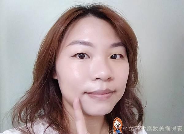 BLANBLVN的3D乳霜光澤唇釉與五色修片皇后粉霜-4.jpg