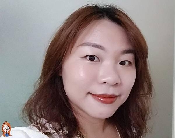 BLANBLVN的3D乳霜光澤唇釉與五色修片皇后粉霜-13.jpg