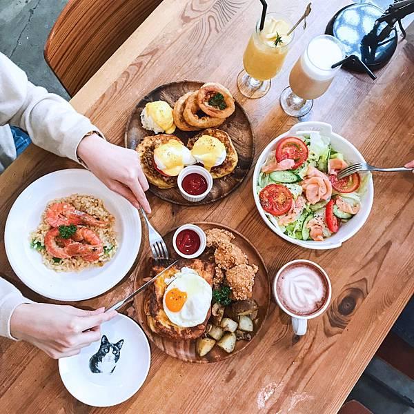 【東區美食】國父紀念館|Toast Chat 療癒的復古風貓咪餐廳,早午餐下午茶好所在