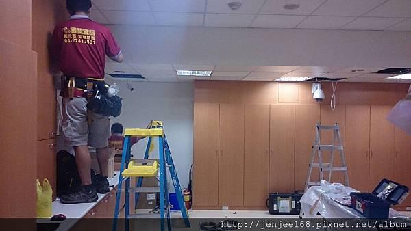 大台中監視器維修|彰化監視器價格|苗栗監視器材行|台中監視器價格|台中監視器系統促銷|施工案例地點|AHD 1080P 200萬畫素陣列式中型管狀紅外線彩色攝影機