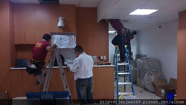 大台中監視器維修|彰化監視器促銷系統|南投監視器店|台中監視器專賣店|南投監視器安裝|施工案例地點|AHD 1080P 200萬畫素陣列式半球形紅外線彩色攝影機