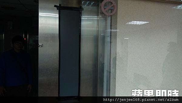 賭場窗戶以黑色西卡紙貼住,彰化監視器廠商,彰化監視器安裝,彰化監視器材
