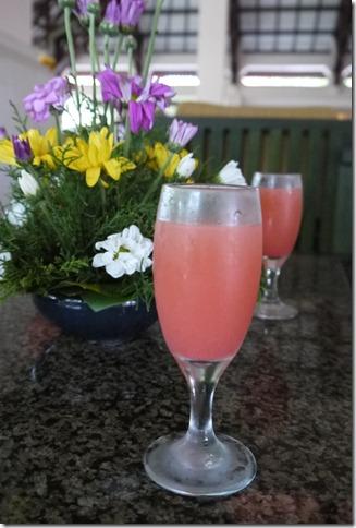 峇里島酒店的迎賓飲料- 歡迎我們入住