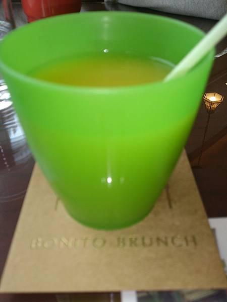 兒童餐附柳橙汁