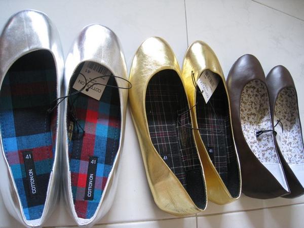 cotton on 的鞋子