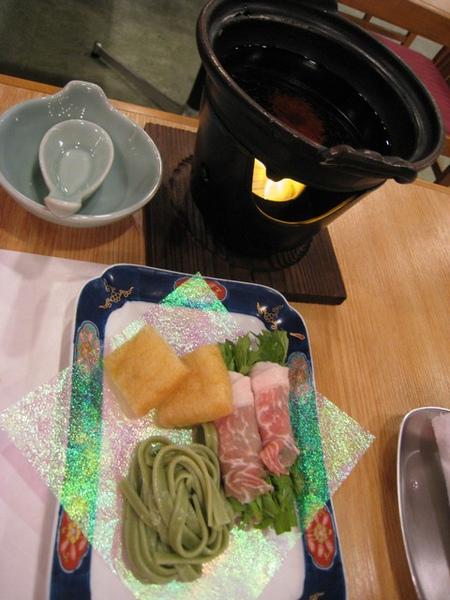 蕎麥麵、豆腐、肉捲