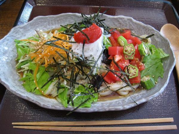 歐巴桑的新鮮蔬菜烏龍麵