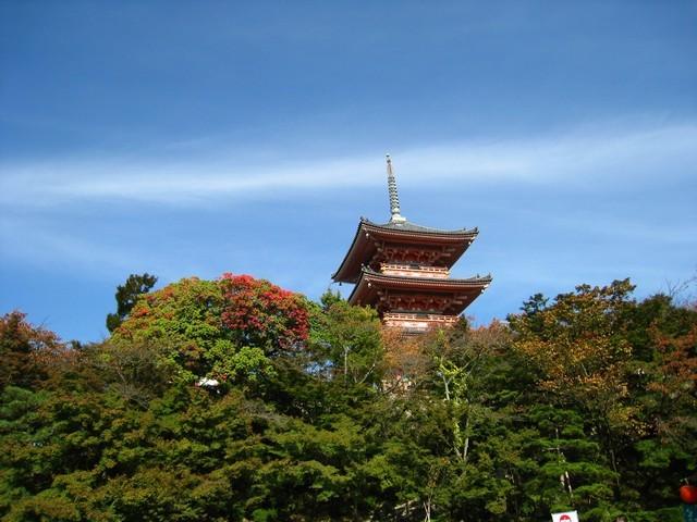 清水寺門口的塔,離出口近了