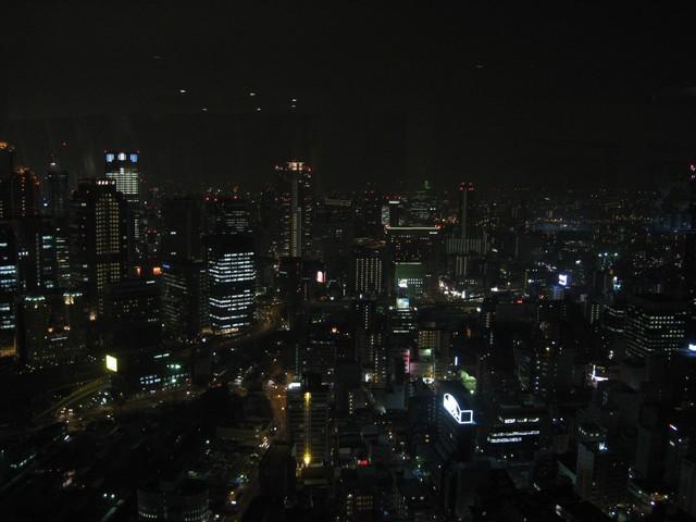 梅田空中庭園展望台看出去的夜景