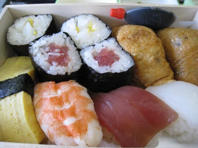 在關西機場二樓買的壽司