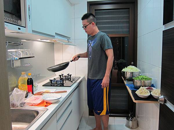 玉米粒炒絞肉 香腸玉米蛋炒飯 (9)