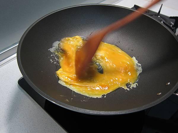 玉米粒炒絞肉 香腸玉米蛋炒飯 (22)