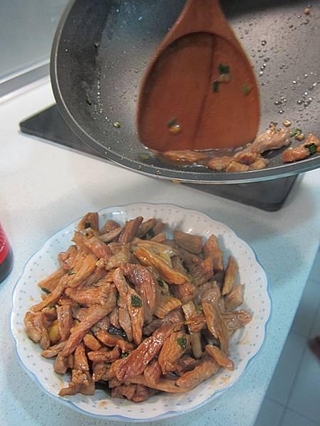 洋蔥炒肉絲 (6)