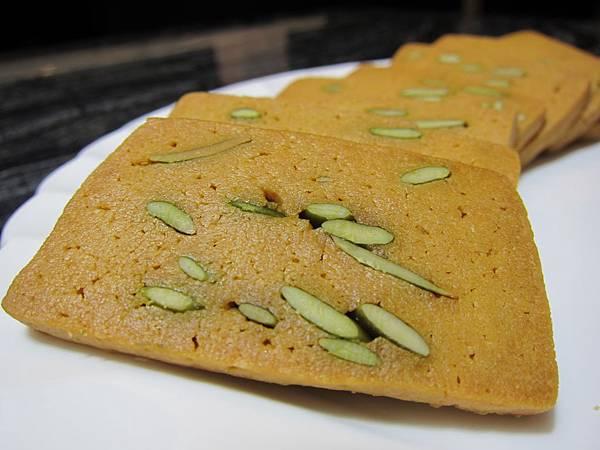 台灣好食在 木黃山烘培坊 鳳梨酥 一口酥 南瓜手工餅乾001 (49)