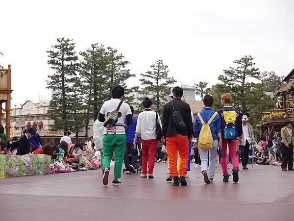 Tokyo Disneyland 東京迪士尼樂園 日間遊行 NEW 蹦蹦跳跳戲春天