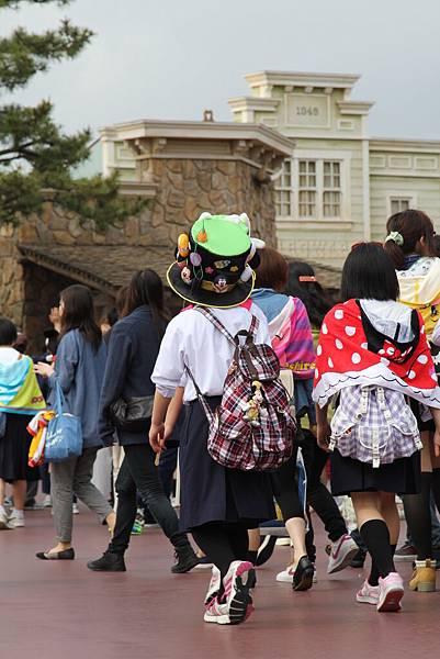 Tokyo Disneyland 東京迪士尼樂園 日間遊行 NEW 蹦蹦跳跳戲春天 (1)