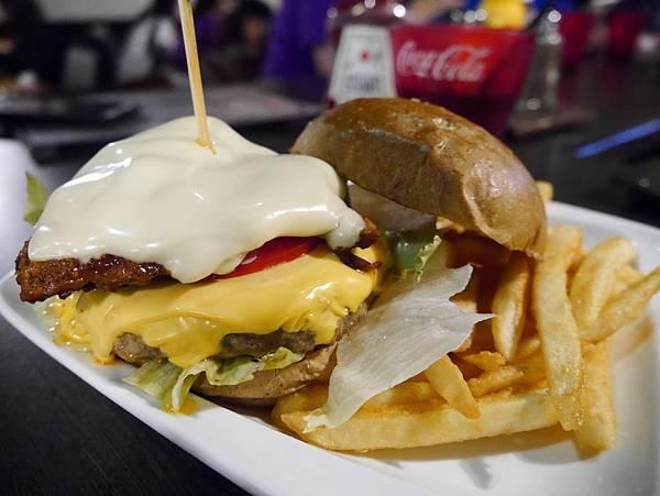 Juicy Bun Burger (21)