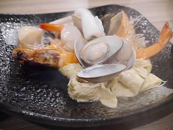 十二籃粥火鍋逸仙店 (32)