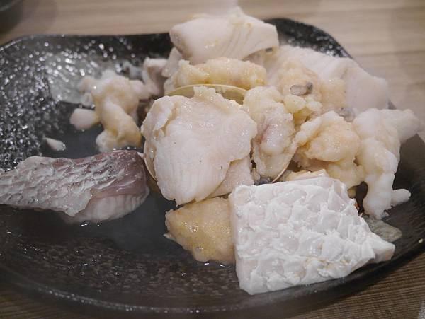 十二籃粥火鍋逸仙店 (37)